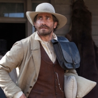 "Jake Gyllenhaal stars as ""Morris"" in Jacques Audiard's THE SISTERS BROTHERS, an Annapurna Pictures release. Credit : Magali Bragard / Annapurna Pictures"